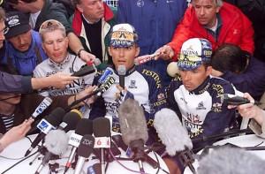 Virenque devant les micros suite à l'affaire Festina sur le Tour de France