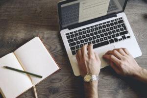 5 outils pour corriger les fautes dans vos articles
